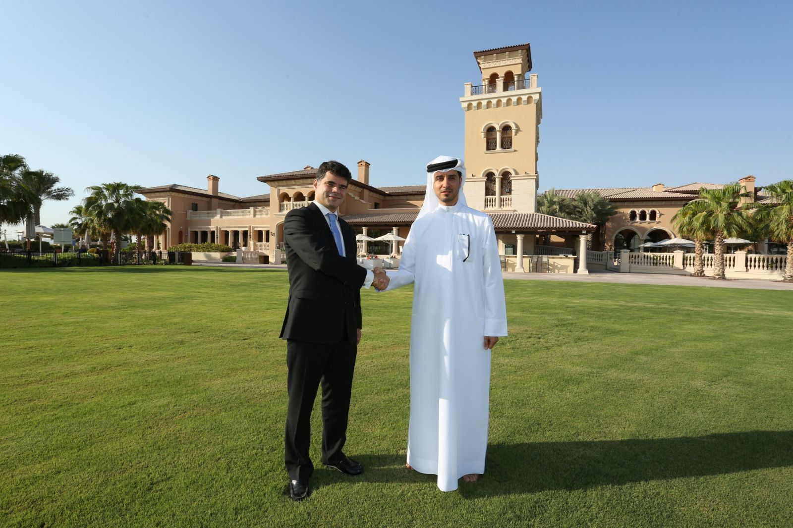 Emirates Islamic and Jumeirah Golf Estates enter into partnership for Alandalus